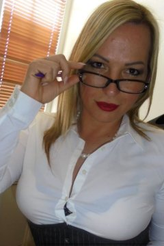 MrsHannahBrooks - Female in Edinburgh