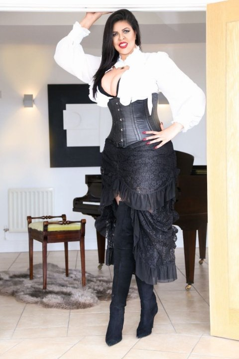 Amazon Cinthia The Tallest Woman In The World - escort in Glasgow City Centre