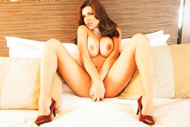 Meet the beautiful TS Livia Poetto in Glasgow City Centre  with just one phone call